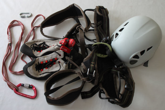 Necessary equipment to start practicing sports Climbing